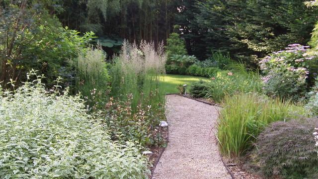 Englewood Garden traditional-landscape