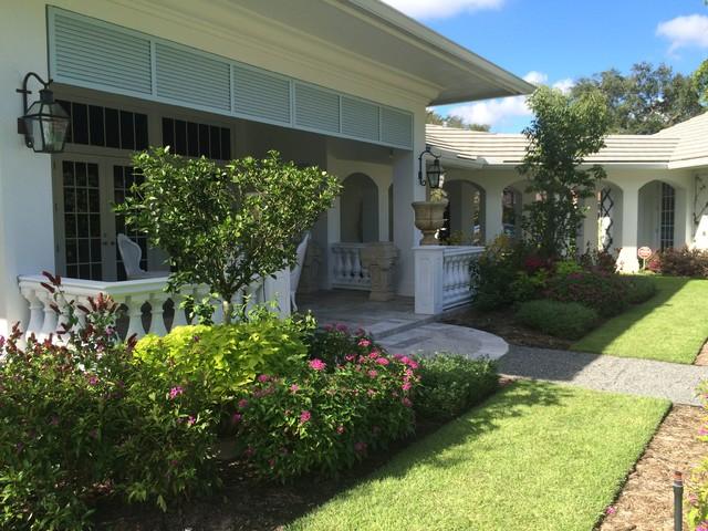 Home Design: English Garden Perennial Courtyard Lanai