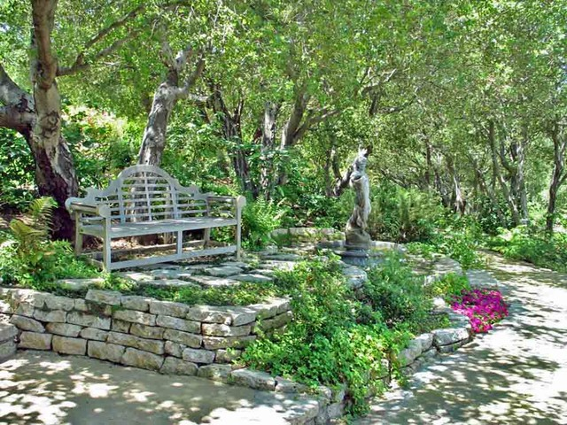 English gardens traditional landscape los angeles for Traditional landscape