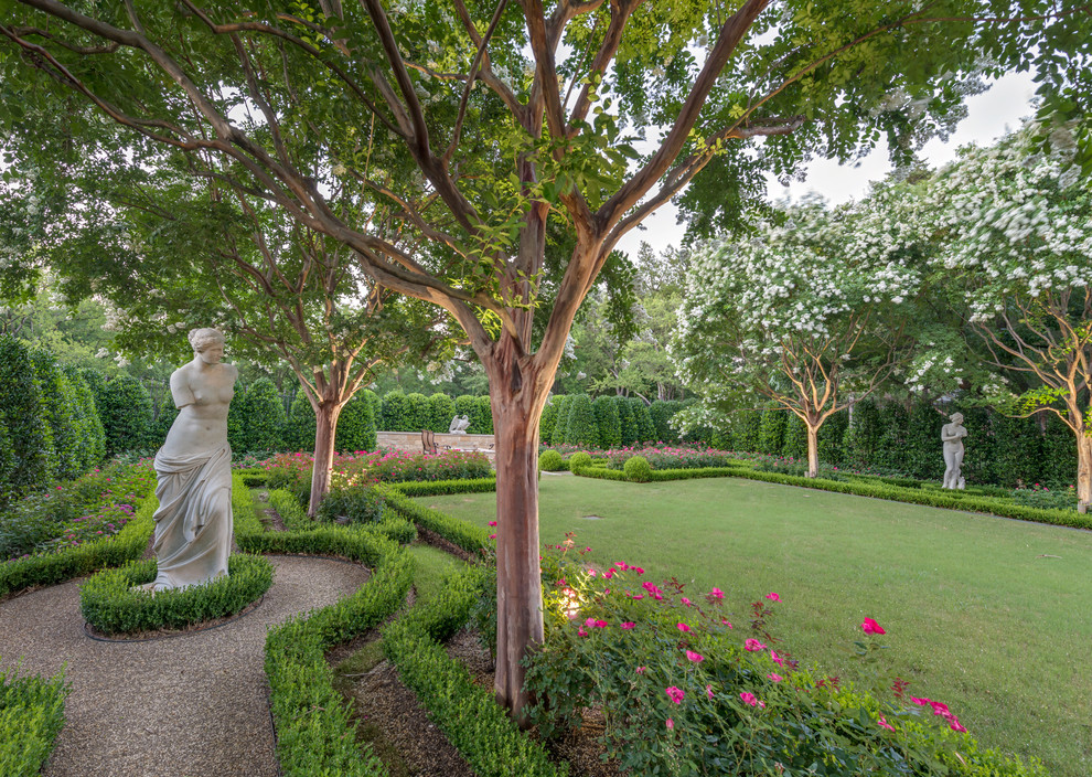 Design ideas for a huge traditional formal garden in Dallas.