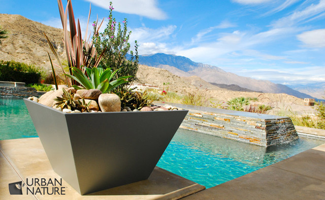 Entertainment Paradise, Rancho Mirage, CA modern-landscape