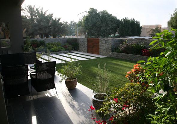 entrance garden modern-landscape