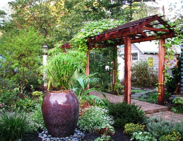 Entry Garden, Wrentham MA traditional-landscape