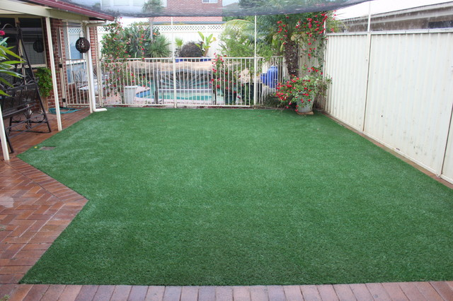 Envy Synthetic lawn Installations traditional-landscape