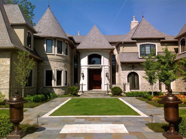 Estate Home traditional-landscape