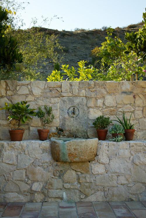 Pilas antiguas y lavabos de piedra recuperados solo en - Fuente de pared para jardin ...