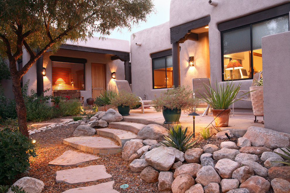 This is an example of a southwestern courtyard landscaping in Phoenix.