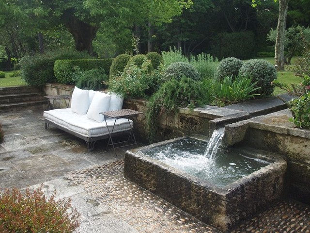 Exterior water fountains for pools and walls for Patio water features