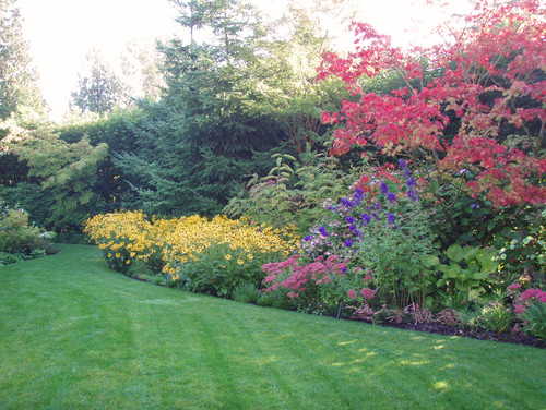The impatient gardener feature friday mixed borders - Mixed style gardens ...