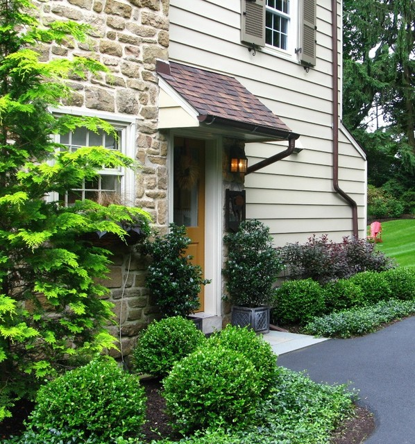 Eye Catching Garden Entryways and Foundation Plantings traditional landscape