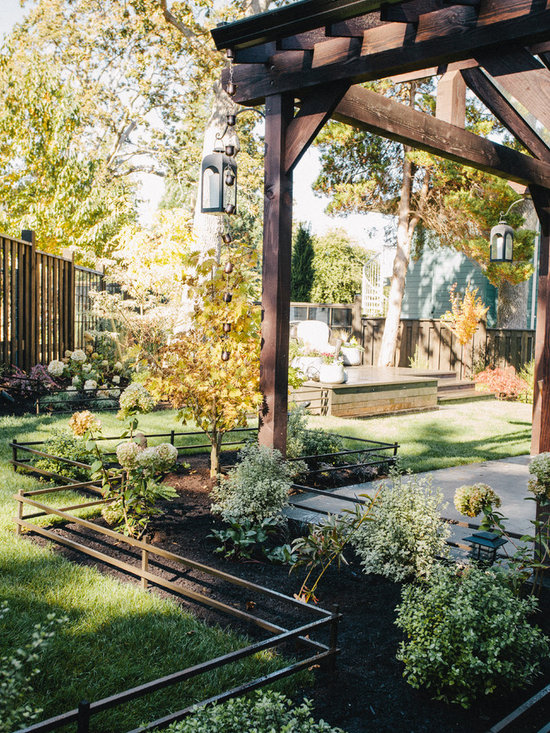 Flower Bed Fence Design Ideas, Pictures, Remodel and Decor