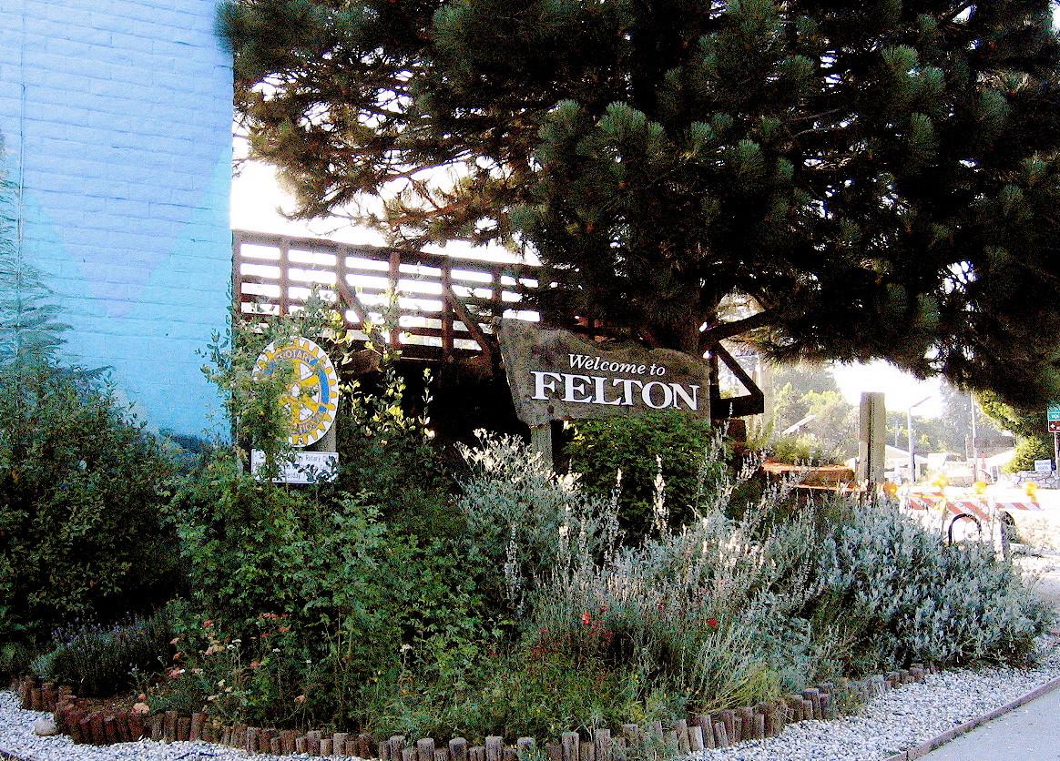 Felton Welcome Sign