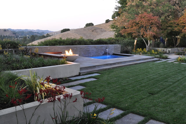 Fire pit and spa modern landscape