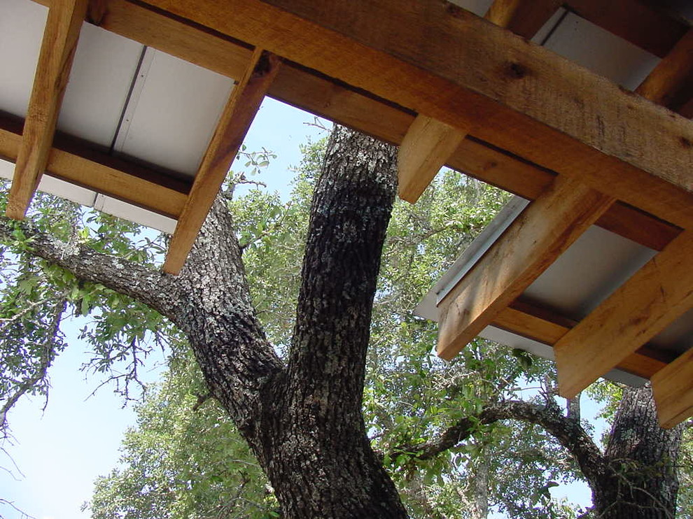 This is an example of a contemporary landscaping in Austin.