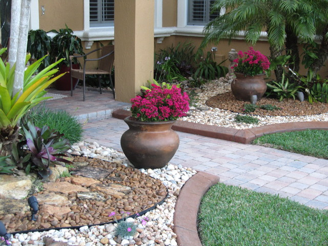 Fla rock garden landscape for Stone landscaping ideas