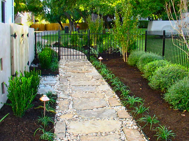 Flagstone Pathway traditional-landscape