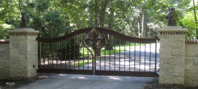 Fleur De Lis Gate Traditional Landscape Chicago By