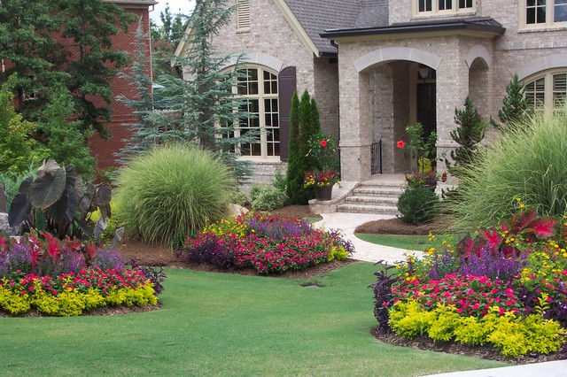 Flower gardens in the south landscape atlanta by for Small flower garden in front of house