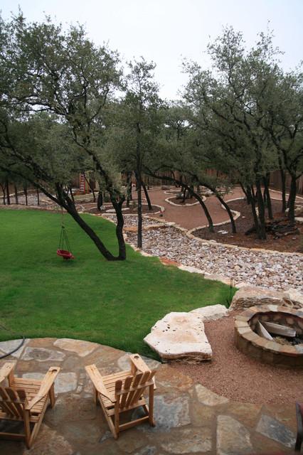 Fossil BLuff Backyard traditional-landscape