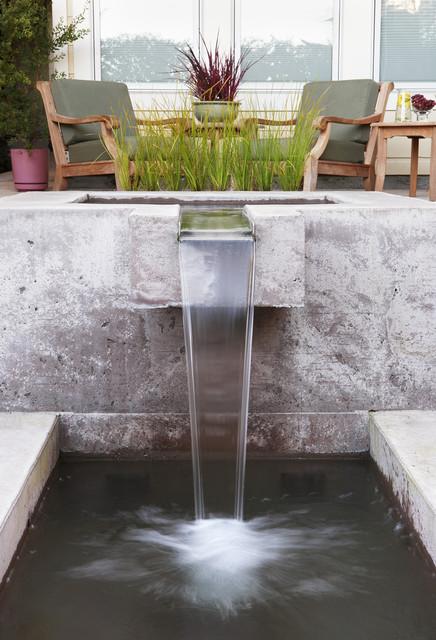 Fountain Rill contemporary-landscape