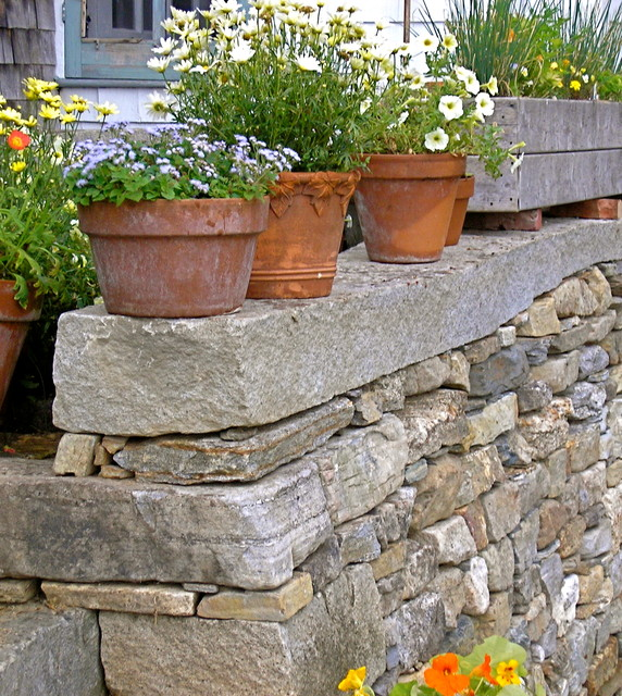 Fieldstone Walls Landscaping : Freeport fieldstone retaining wall