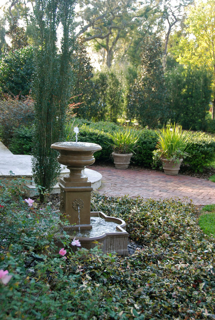 French country style garden traditional landscape for Country style garden designs