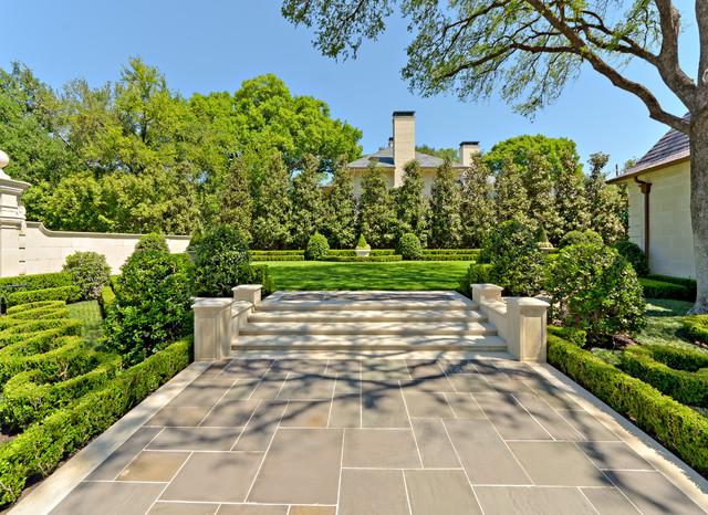 Formal Residential Estate & Garden traditional-landscape