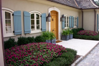 Front Door traditional landscape