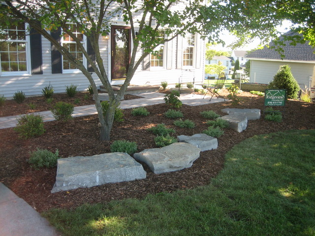 Front Walkway And Landscape Grand Rapids By Ridgeview
