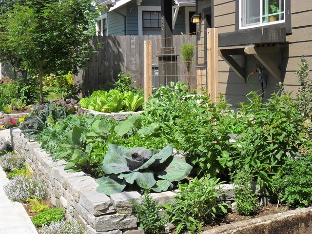 Front yard edible garden craftsman landscape for Earth designs landscaping