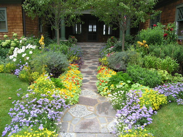Garden Design With Front Yard Flower Bed Home Design Ideas Pictures Remodel And Decor