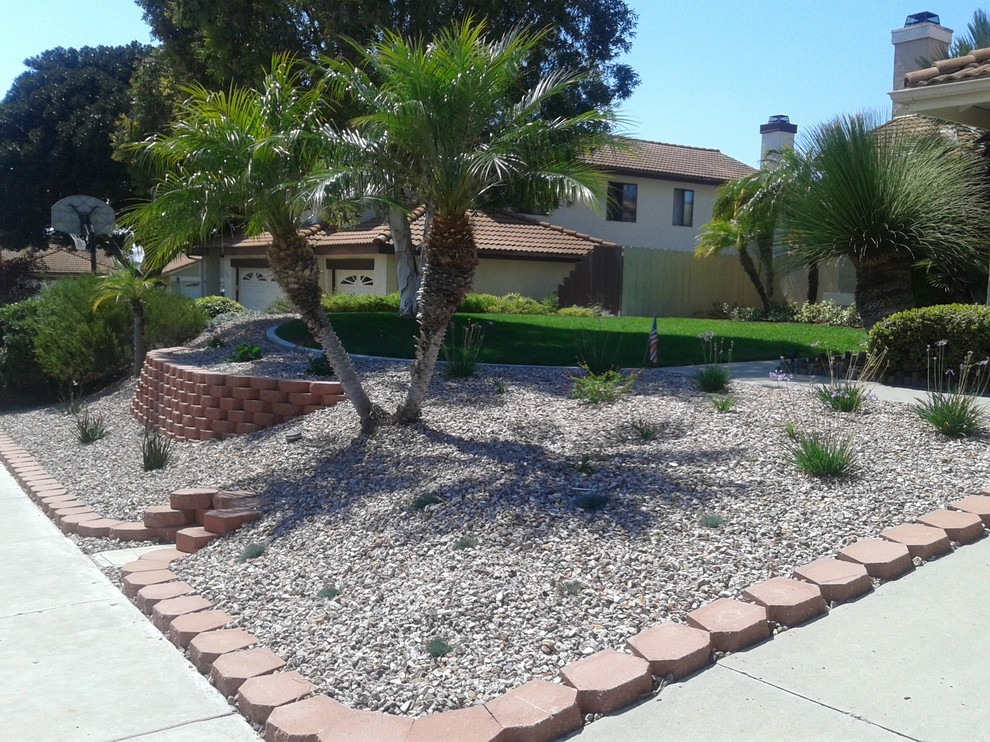 Front yard ideas - Traditional - Landscape - San Diego ...