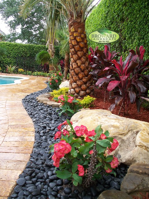 Amazing Tropical Front Yard Landscaping Ideas Part - 7: Front Yard Landscape Tropical-landscape