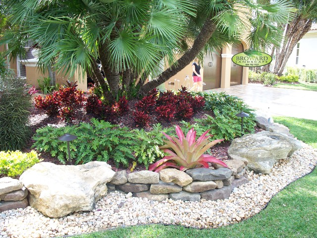 Front yard landscape tropical landscape miami by for Landscaping rocks broward county