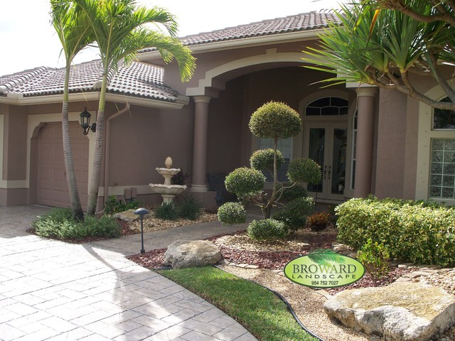 Front yard landscaping ideas miami pdf for Tropical front garden designs