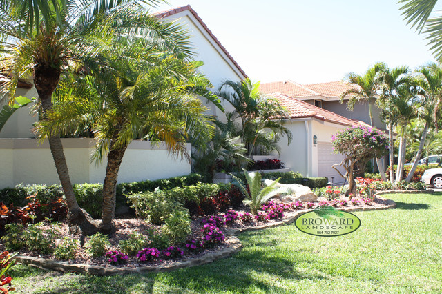 Front Yard Landscape - Tropical - Landscape - Miami - By Broward Landscape Inc.