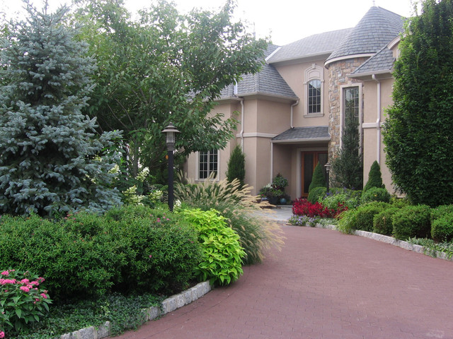 Front Yard Landscape Design Nj American Traditional Garden New York By Cipriano Landscape Design Custom Swimming Pools