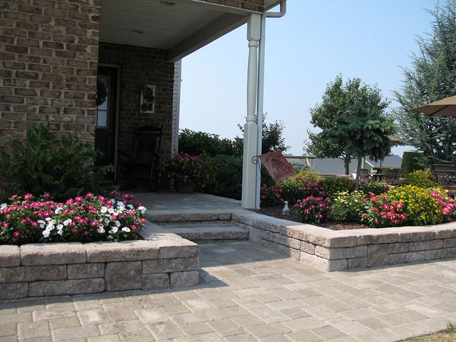 Good Front Yard Retaining Walls Landscaping Ideas Part - 9: Front Yard Landscaping Ideas Traditional-landscape
