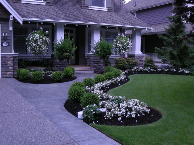 Front Yard Landscaping Make Over 1 Traditional Landscape