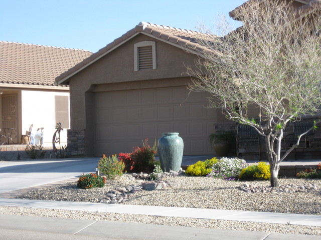 Awesome Desert Front Yard Landscaping Ideas Part - 11: Front Yard Patio Southwestern-landscape