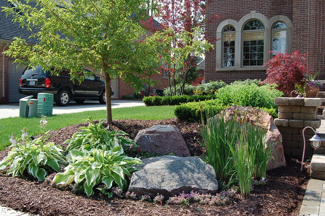 Frontyard landscape traditional landscape nashville by creative stone landscaping - Practical ideas to decorate front yards in the city ...