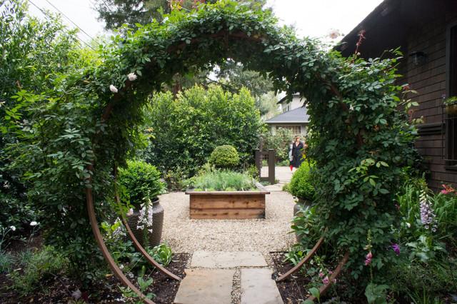 Gamble Garden Spring Tour 2014: Melville craftsman-landscape