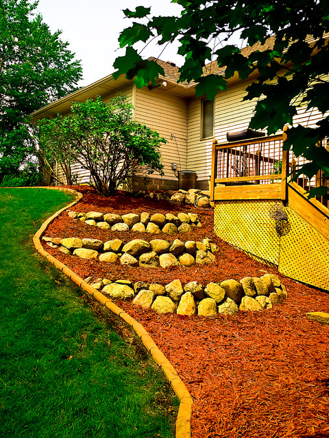Garden Clean Up traditional-landscape