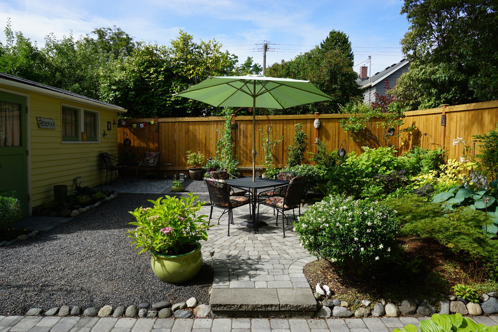 This is an example of an eclectic landscaping in Seattle.