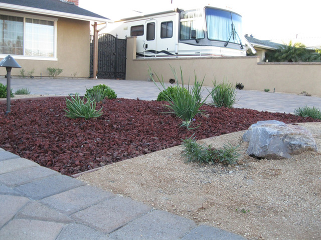 California native succulent front yard eclectic for Landscaping rocks orange county