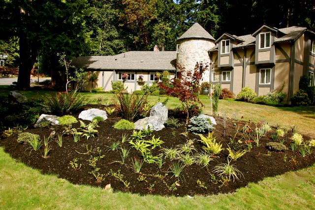 Garden makeovers traditional-landscape