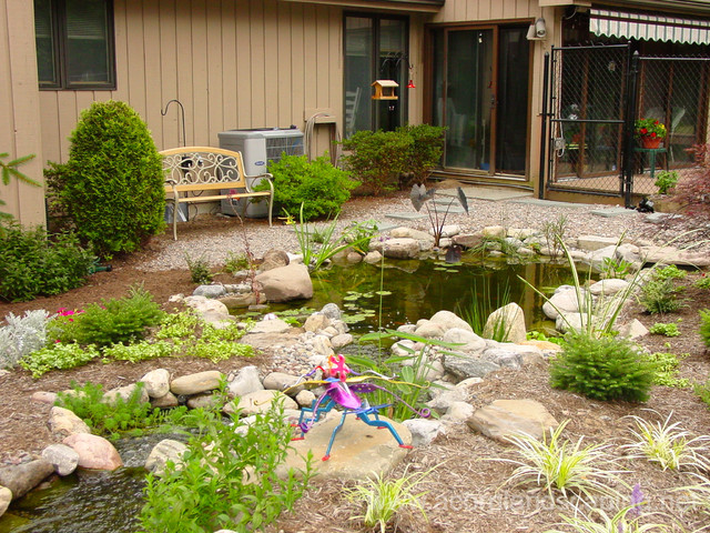 Garden ponds fish ponds koi ponds waterfall ponds for Fish pond landscaping