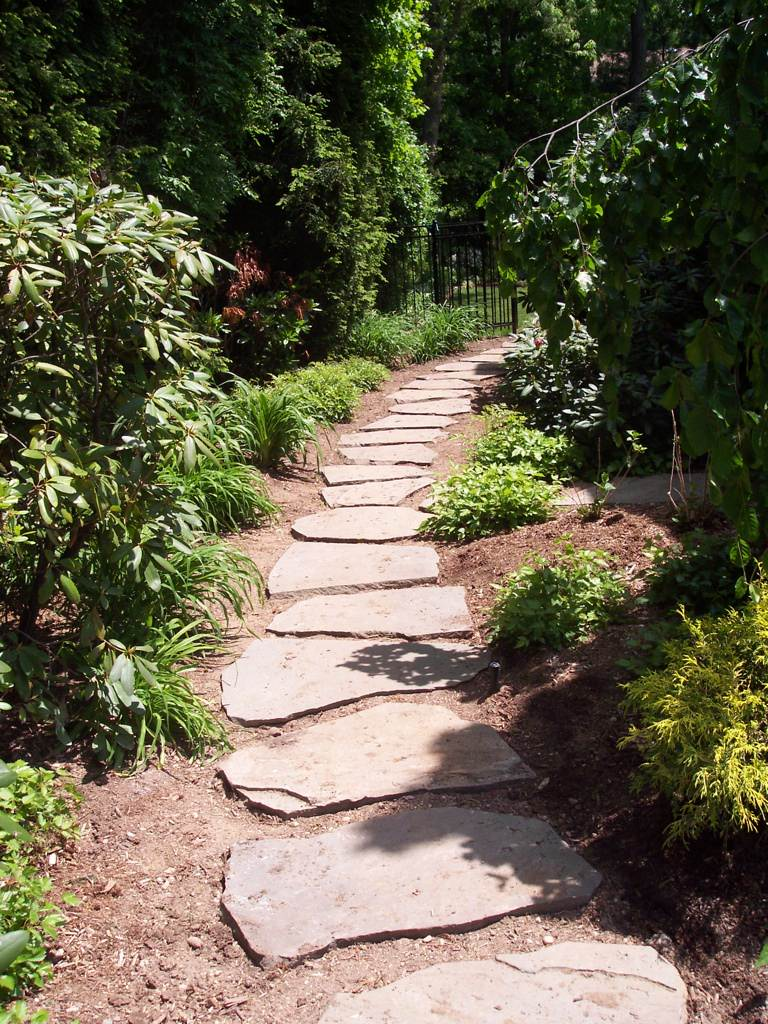 Garden Walkways & Landscape Pathways by Designscapes Landscaping