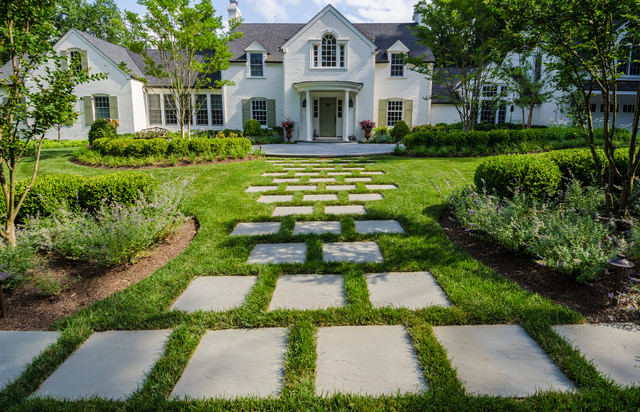 Design ideas for a traditional front yard garden path in DC Metro.