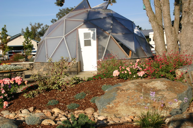 Outdoor living spaces boulder creek pools and spas - Geodome For The Garden Natural Boulder Sets And Beautiful